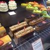 カラフルなケーキたちに、マカロンにショコラも◎MOFを持つ話題のパティスリー、アルノー・ラエール。