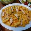 秋鮭のパスタ⑤大皿ごちそうパスタ