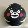 くまモン顔のハンドボールを頂きました。