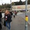 朝のオーストリアLeoben駅は人でいっぱい
