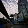 中国ではそろそろ仕事を始めるみたい。タイは今日、振替休日。静かなバーガーキングでブログの更新。