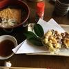 今日のお昼は椿の天ぷらでした♪