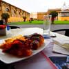 バチカンの中庭で優雅に朝食を+朝7時からのEarly Entrance