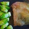 皮パリパリ鶏もも肉の揚げ焼き 03 最後蒸し焼き版 蕾菜バター炒め添え