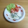 我が家の食卓ものがたり シーチキン胡瓜マヨサラダの小皿 より。