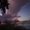 日が昇る前の空に広がる「深いあおいろ」を求めて旅を続ける