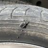 タイヤの横に穴が開いちゃった…どうすればいい?
