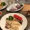 カオマンガイ、ブロッコリーとカブとマッシュルーム、トマトとマカロニサラダ、いなだのお刺身