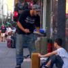 【動画あり】ホームレスの退役軍人、非常な現実の中でも少年への優しさを忘れない。