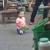 ミャンマーの街角で見かける日本と似たモノ(その1:あの大コメディアンのミニミニ版)