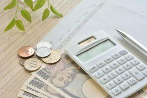 【節約】家計の見直しで最初に見るべきポイントとは?節約術も紹介!
