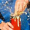 炭酸飲料を吹きこぼれなくする効果的方法 5選