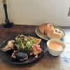 所沢市小手指駅にある素敵カフェタミチカでおひとりさまランチ。5種類のお惣菜とサラダのTamichikaプレートをいただきました!おいしいスープと自家製パン付きです!