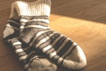 もっと足が冷える!?靴下を履いたまま寝てはいけない本当の理由とは?