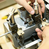 明石で格安の合鍵作製、ディンプルキー作製ならイオン明石4F靴修理と合鍵作製時計の電池交換のお店プラスワンイオン明石店にお任せ下さい。