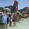大型船でたっぷりと1日ピピ島観光