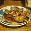 京成立石の「宇ち多゙」でナンコツ味噌、カシラタレ、煮込み、お新香。