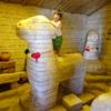 こどもと遊ぶウユニ塩湖、コルチャニ村の塩ミュージアム(ボリビア