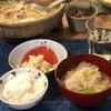 ごはん、豚肉の豆乳鍋、ポテトサラダとトマト、はりはり漬け