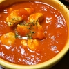 焼いて煮るだけ!フライパン一つでできるチキンのトマト煮込み