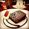 《サンタからの贈り物》クルミ入りのチョコレートブラウニー<札幌のカフェ情報>