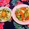 今日のごはん:オクラのキラキラネバネバ卵ごはんと鶏もも肉の野菜たっぷりソテー