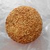 ビエラ大久保のパン屋「ヴィドフランス」の「もちもちゴマあんドーナツ」を食べた感想