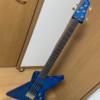 青い5弦エクスプローラーベースを手に入れました。