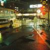フィルムカメラと雨の夜散歩