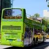 台南  二階建ての観光バスを見かけました