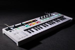 「ARTURIA KeyStep Pro」製品レビュー:4trステップ・シーケンサーを搭載する37鍵キーボード/コントローラー