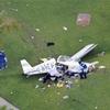 世界旅行中の英人の小型機、1番ホールに墜落