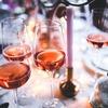 今年の夏は、フランス、アメリカで流行中のキンキンに冷えたロゼワインを楽しもう