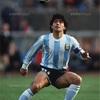 「サッカー界の英雄が死去」