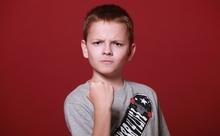 英語動画でクイズに挑戦!世界最速の手さばきを競うスポーツ・スタッキングをご存じですか?