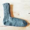 リブ編みのくつ下が片方出来ました
