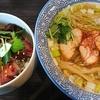 三種の地鶏の織りなす塩ラーメンとヨーグルトソースのローストビーフ丼 麺処 ほん田 niji 大宮
