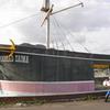 船型廃墟にて