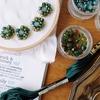 新緑の季節にぴったりの、「緑のラビリンス」刺繍です