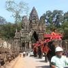 【カンボジア女子一人旅】象に乗って遺跡観光 (・∀・〃)☆