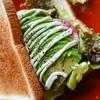 アボカドとリオナソーセージの濃厚サンドイッチ【ワンプレート朝食】