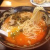 【今日の食卓】東秀・田無店で「博多とんこつラーメン」の「旨辛!赤とんこつ」を食べた+幼児連れの客が多い理由