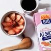 美肌デザート アーモンドミルクでストロベリーオーバーナイトオーツ