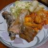 運な病のレシピ( 979 )昼:塩鮭、手羽先ポテトのトマトソースのピザオムレツ(仕立て直し)、白子味噌汁、キャベツ