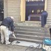 奨学神社正面階段に手摺りが奉納されました。