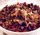 唐辛子たっぷりの四川料理。辛味の中にあふれるうま味がたまらない!「四川菜 龍滕(ロンタン)」