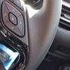 トヨタC-HRのステアリングは汚れやすい??ステインリムバーでクリーニングしてみました