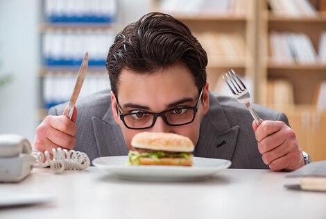 世界で高血圧の患者が倍増。WHO(世界保健機構)は食生活改善を緊急の課題と警鐘