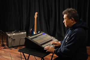 Dub Master X × KORG SoundLink MW-2408 〜音の練達が使い始めたハイブリッド・ミキサー