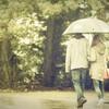 雨の日には、お気に入りの傘を持って出かけるんだ